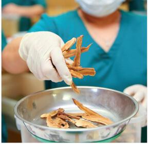 hình ảnh nhà thuốc Hoa Đà tại Mỹ