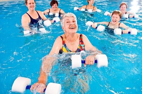Bơi lội giúp phục hồi chấn thương hiệu quả
