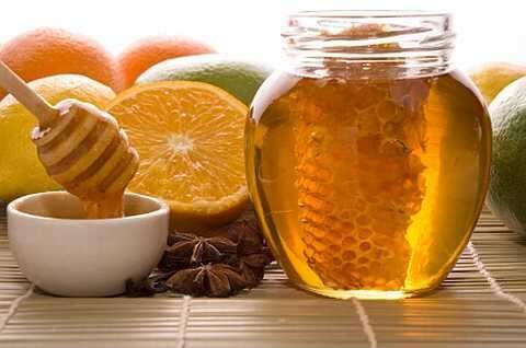 mẹo chữa đau họng bằng mật ong