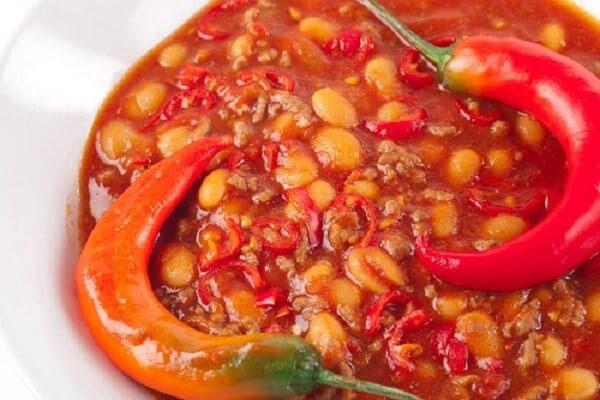thực phẩm cay nên kiêng khi bị viêm họng