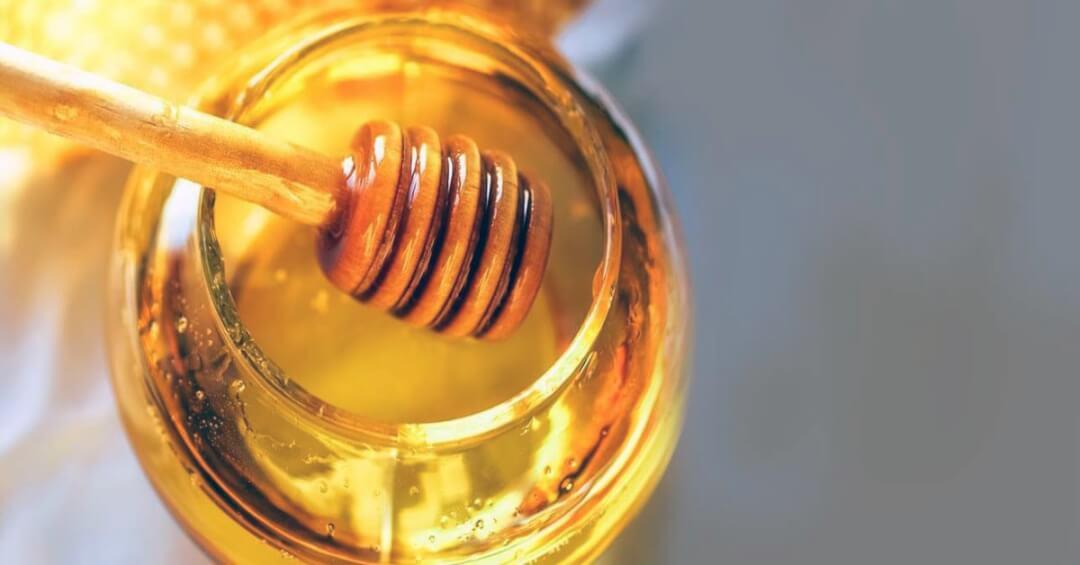 Ngoài mật ong hỗ trợ điều trị viêm họng, bạn có mật ong chữa nhiều bệnh?