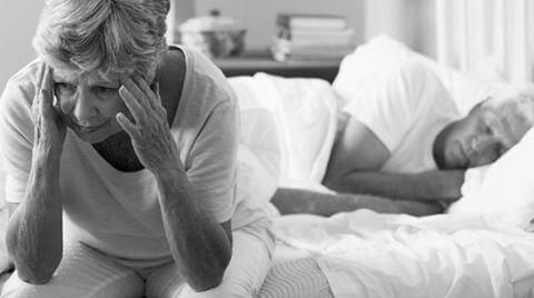 thuốc trị tiểu đêm cho người già